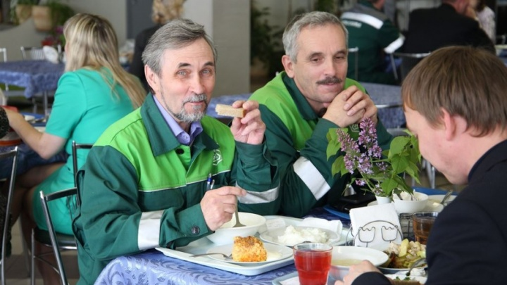 Полезные завтраки и дотации сотрудникам: столовая филиала «Уралхима» победила в конкурсе среди предприятий питания