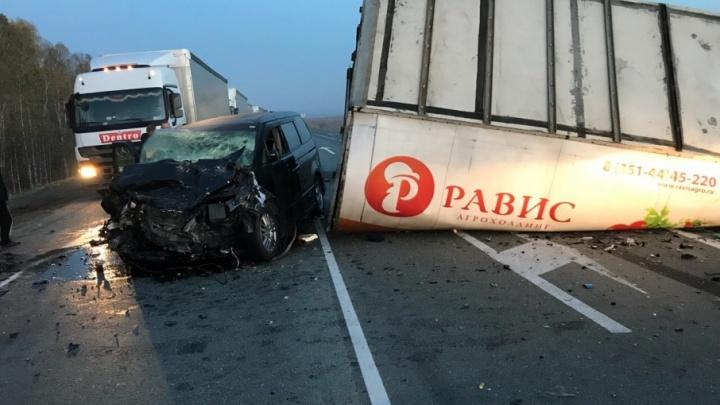 После аварии под Челябинском в больницу попали семь пассажиров минивэна