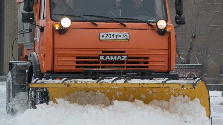 Волгоградцев предупредили о сложной обстановке на федеральных трассах