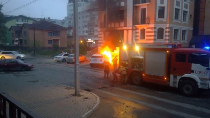 Сегодня ночью в Архангельске сгорел «Форд-Эскейп»