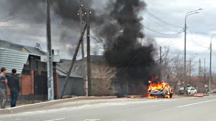 На Самарцева из-за неисправной электропроводки сгорели «Жигули»