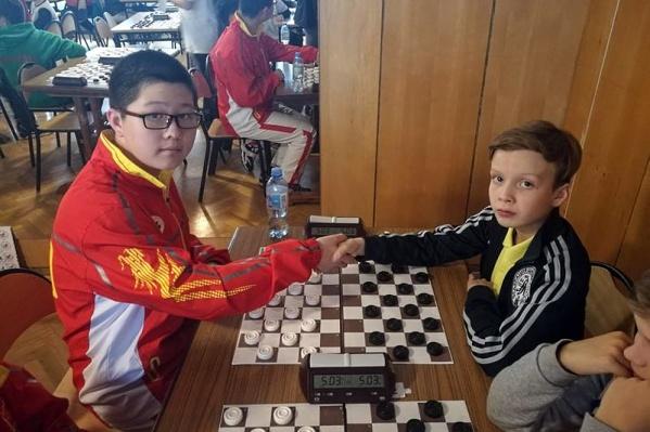 Юному челябинскому шашисту не удалось опередить только оппонента из Китая