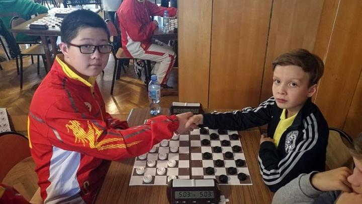 Челябинский школьник стал серебряным призёром чемпионата мира по шашкам