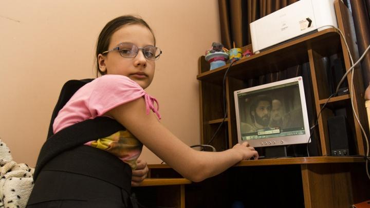В Ростовской области школьница сломала спину после задания педагога