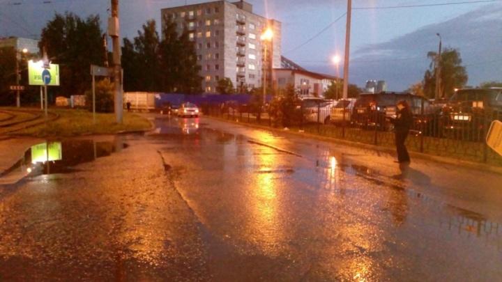 В Перми полиция разыскивает синий ВАЗ, сбивший женщину на бульваре Гагарина