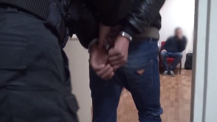 Два парня делали закладки, чтобы снять квартиру в Ярославле