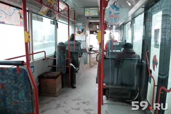Инцидент в автобусе №65 проверили в мэрии: чиновников удовлетворил ответ перевозчика