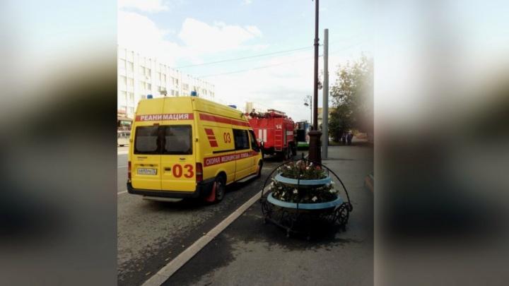 Из-за подозрительного пакета в Тюмени высадили пассажиров автобуса №17