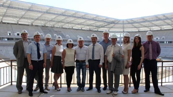 Питерские чиновники побывали на строящемся стадионе «Ростов-Арена»