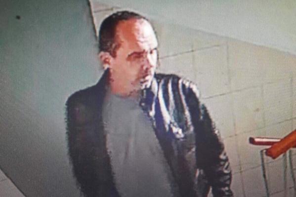 Подозреваемый попал в объективы камер видеонаблюдения