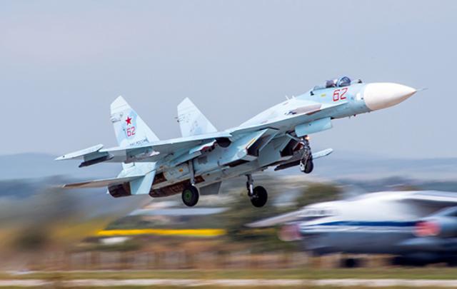 Перекроют дорогу: на трассе в Ростовской области приземлится военный самолет