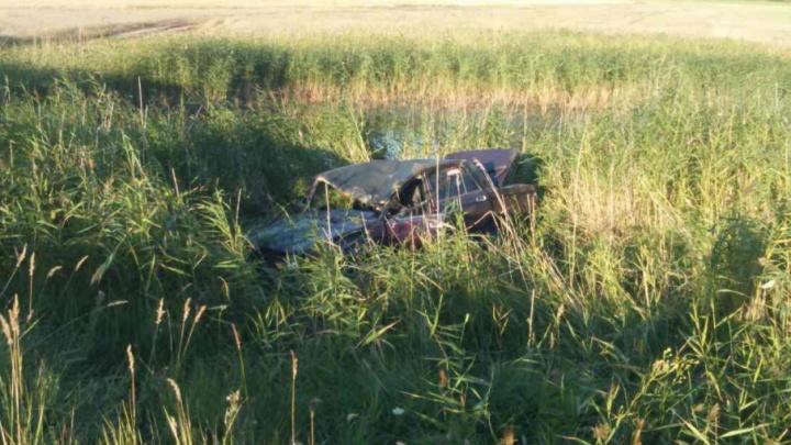 Двое в реанимации: на тюменской трассе разбился 17-летний водитель из Курганской области
