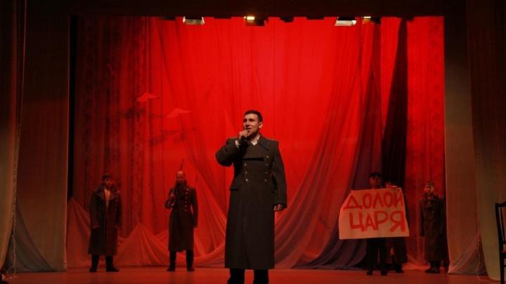 Благотворительный спектакль «Святая семья в годы революции» покажут бесплатно в АГКЦ