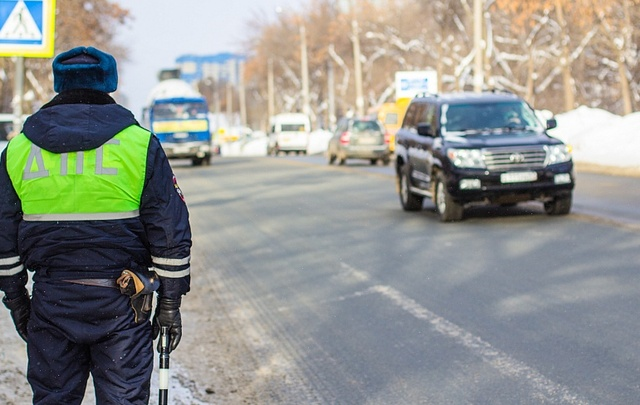 В Сызрани 58-летний водитель ответит в суде за попытку подкупить инспектора ДПС