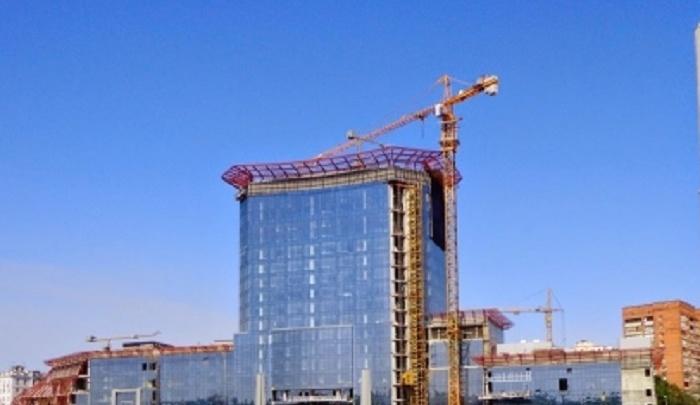 Отель на Сиверса планируют достроить до начала ЧМ-2018