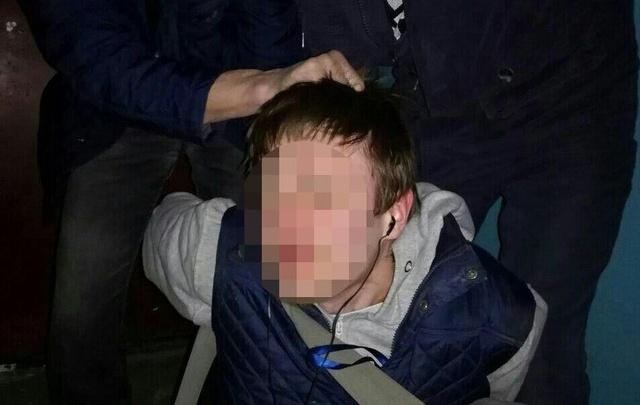 На педофила, пойманного челябинцами в подъезде, завели уголовное дело