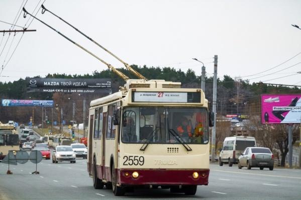 Троллейбус №27 будет ездить до вокзала