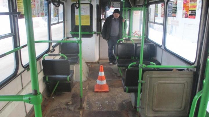 В Рыбинске из-за водителя-лихача пострадали пассажиры автобуса