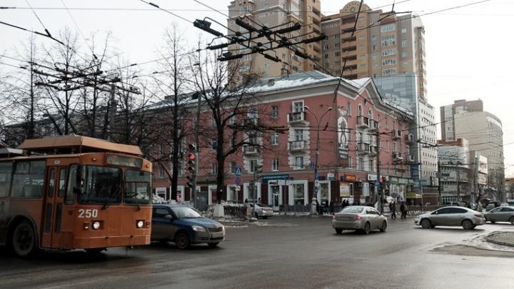 «Город должен сиять»: на ремонт фасадов к юбилею Перми потратят 180 млн рублей