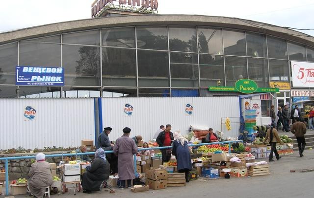 На месте автостоянки Ворошиловского рынка Волгограда появится футбольный парк