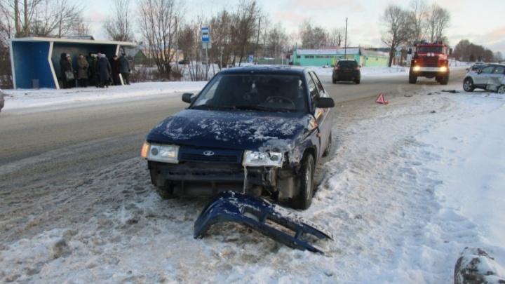В Ярославском районе ВАЗ протаранил иномарку
