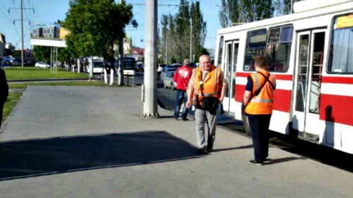 На Московском шоссе троллейбусы встали в пробку из-за отсутствия электричества