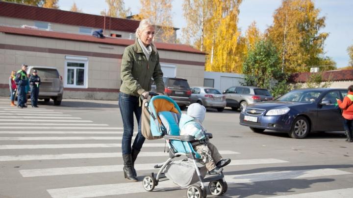 На дорогах Архангельска начали обновлять разметку