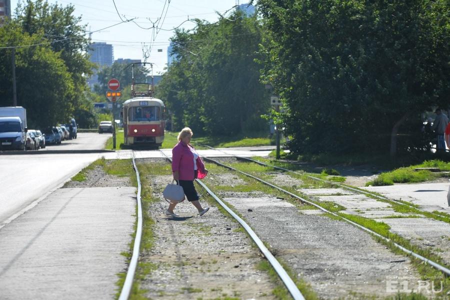 Трамвай № 13 — один из самых популярных здесь.