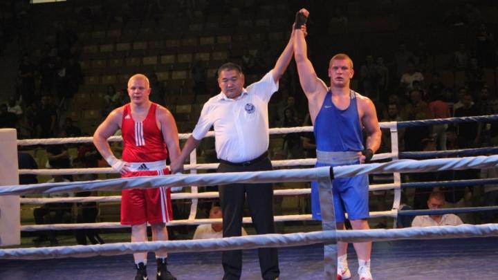 Волгоградские супертяжи не пустили в финал других боксеров