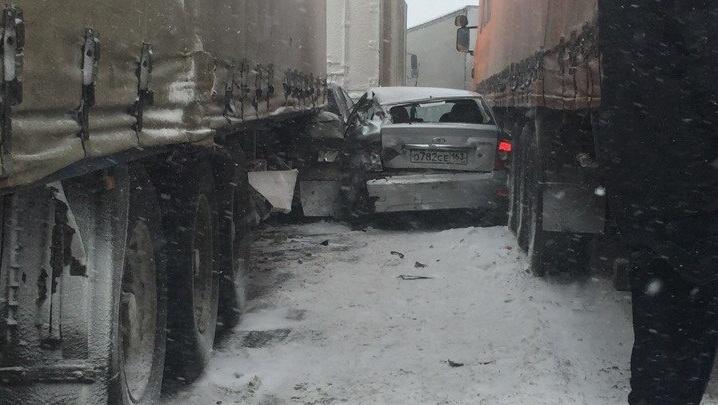 Массовые ДТП в пробках: фото и видео последствий снегопада в Самарской области