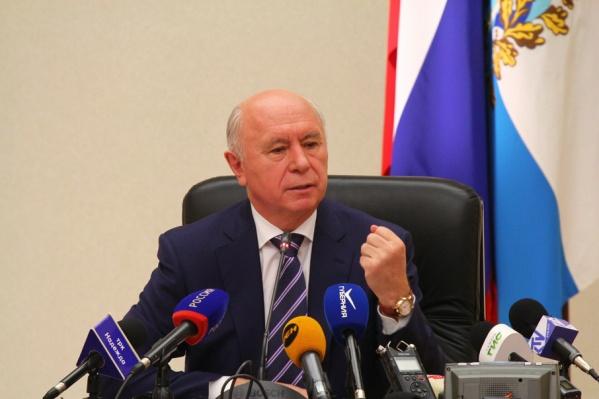 Губернатор проводит пресс-конференцию, посвященную пятилетию работы в 63-м регионе