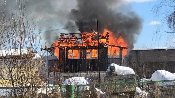 В посёлке Боровский в частном доме вспыхнул пожар