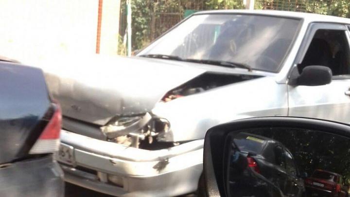 На Оганова столкнулись сразу три машины