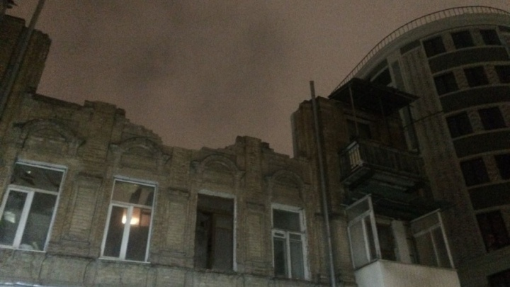 В Ростове перекрыли дорогу из-за угрозы обрушения дома