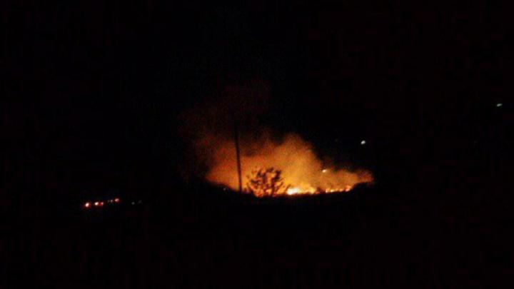 В микрорайоне «Суворовский» ночью начался пожар из-за фейерверка