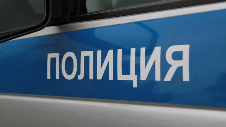 Из-за подозрительного пакета на Буденновском оцепили офис колбасного завода «Тавр»