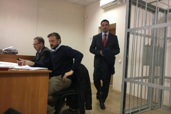 Алексей Лошкин признался суду, что скандальный контракт на охрану губернатора проверяли формально