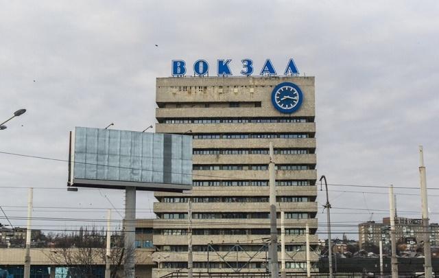 Мужчина погиб под колесами грузового поезда в Ростове