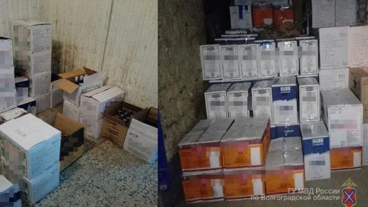 В Волгоградской области на рынке нашли семь тысяч бутылок «паленой» водки