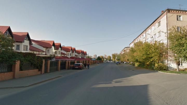 Улицу в центре Челябинска закрыли из-за ремонта кабеля