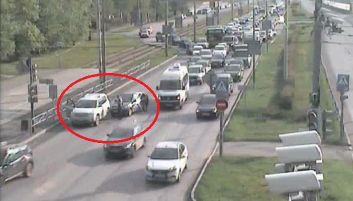 ДТП в Мотовилихе: образовалась большая пробка на улице Старцева