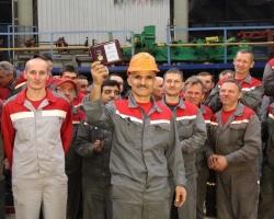 Союз машиностроителей наградил рабочего Ростсельмаша