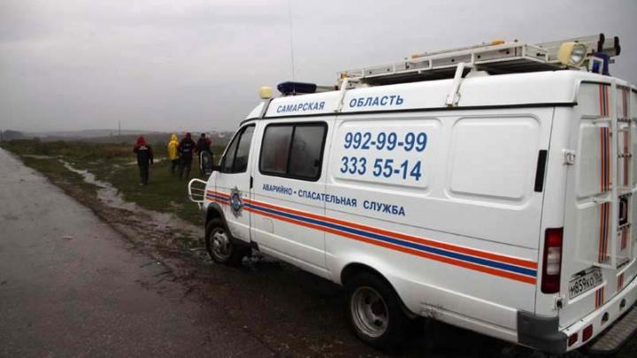 Под Тольятти спасатели вывели из леса заблудившихся грибников