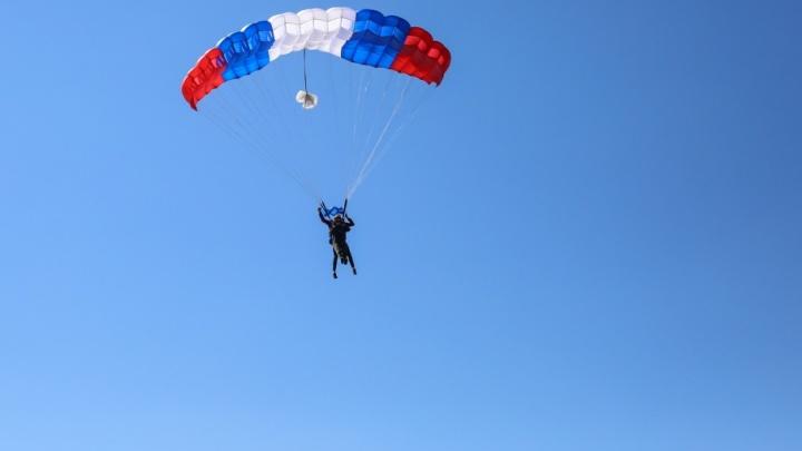 Головокружительный прыжок: покоряем небо Самары вместе с юными парашютистами