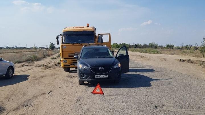«Вместо помощи – пять часов на жаре и какой-то цирк»: под Волгоградом полиция оставила москвичку без машины