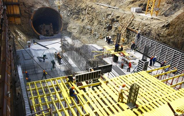 Большинство опрошенных челябинцев высказались за продолжение строительства метро