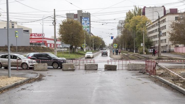 От «Дорстройсервиса» в Волгограде требуют миллионы за дорогу-долгострой