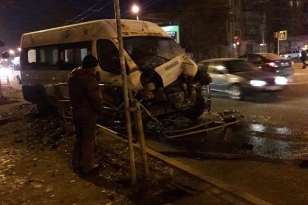 В ДТП серьезно пострадали обе машины
