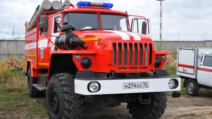 Во время пожара из дома по улице Логунова эвакуировали 20 человек, еще один попал в больницу с ожогами