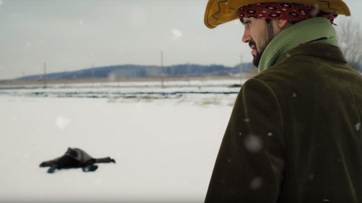 Екатеринбургский режиссер снял яркую короткометражку о ковбоях, сразившихся в снежной битве
